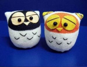 �грушки совы из детских носков
