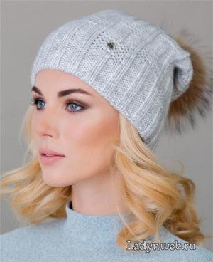 Теплая однослойная женская шапка с помпоном