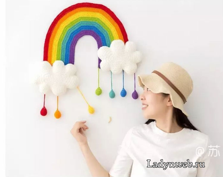 Красочное панно радуга в детскую комнату крючком схема