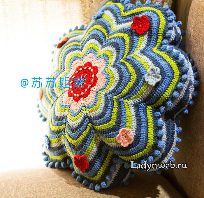 podushka-v-forme-cvetka-kryuchkom-sxema2